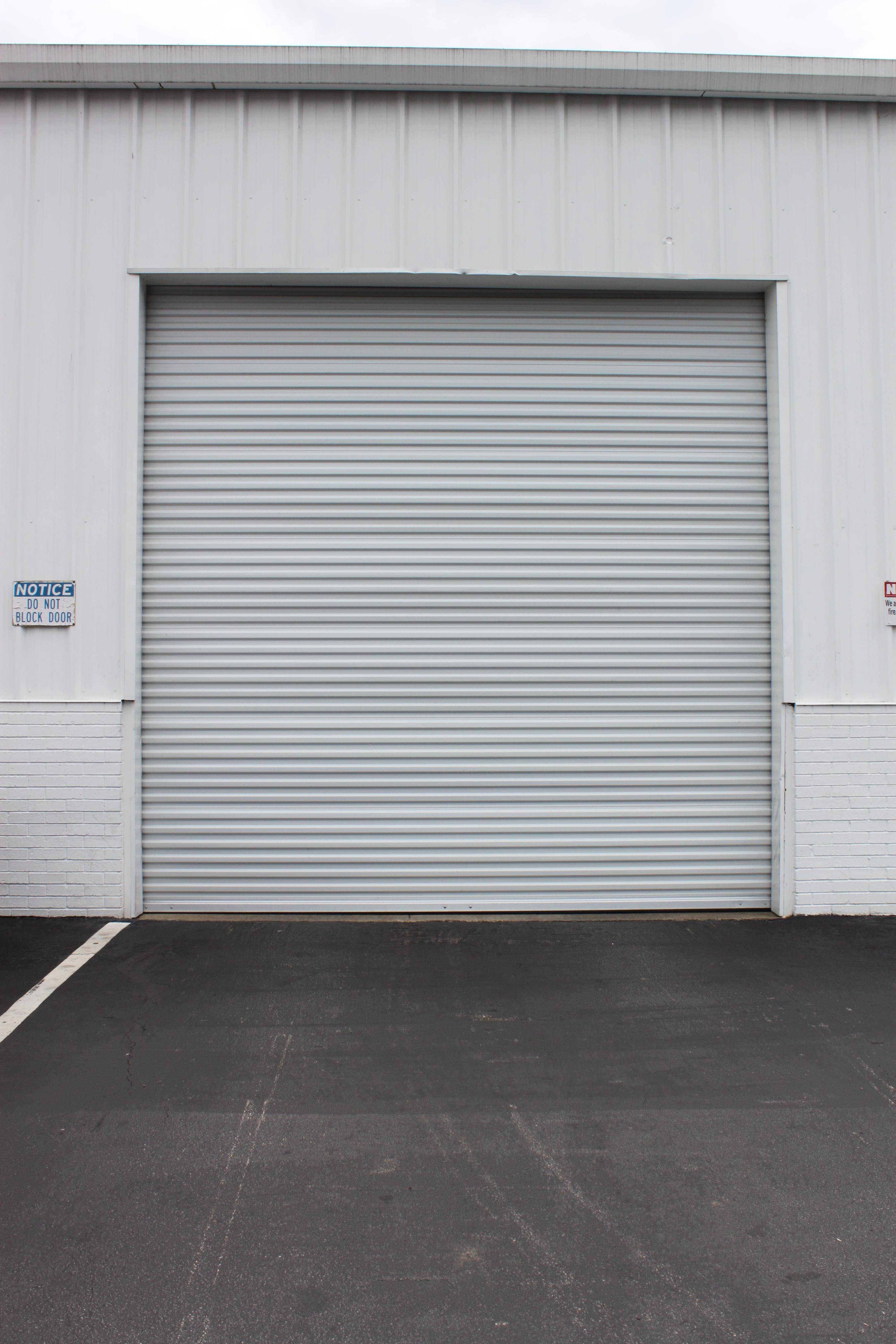 Commercial roll-up door