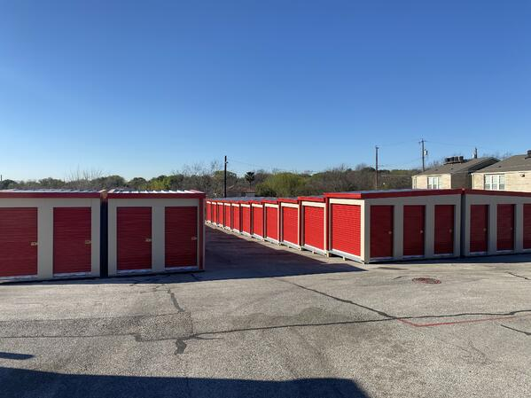 3 Rows of 82 drive-up MASS portable units