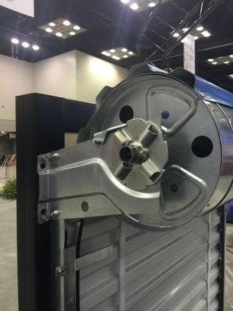 Commercial door ratchet tensioning device