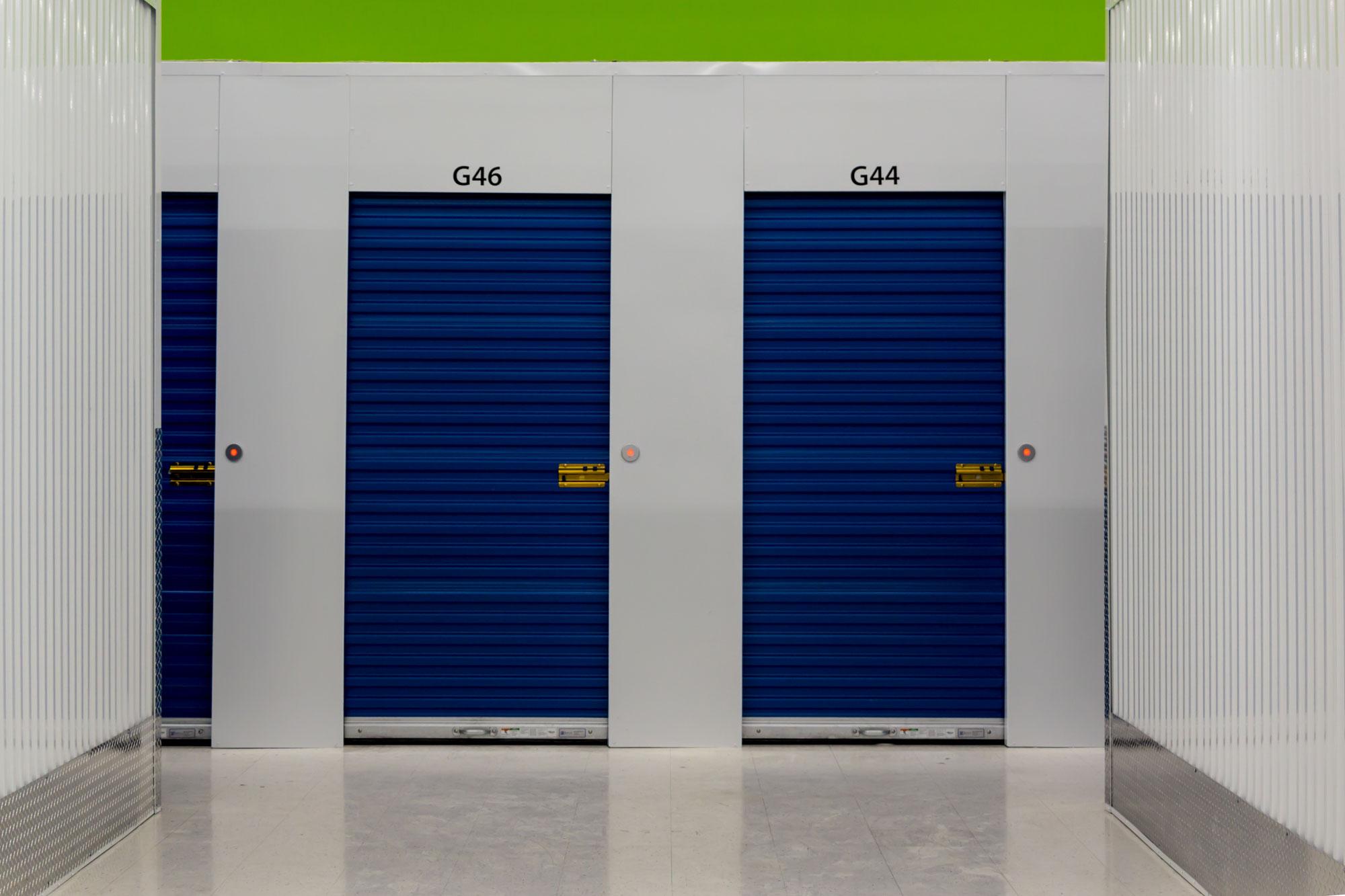 Hallway_swing-doors.jpg