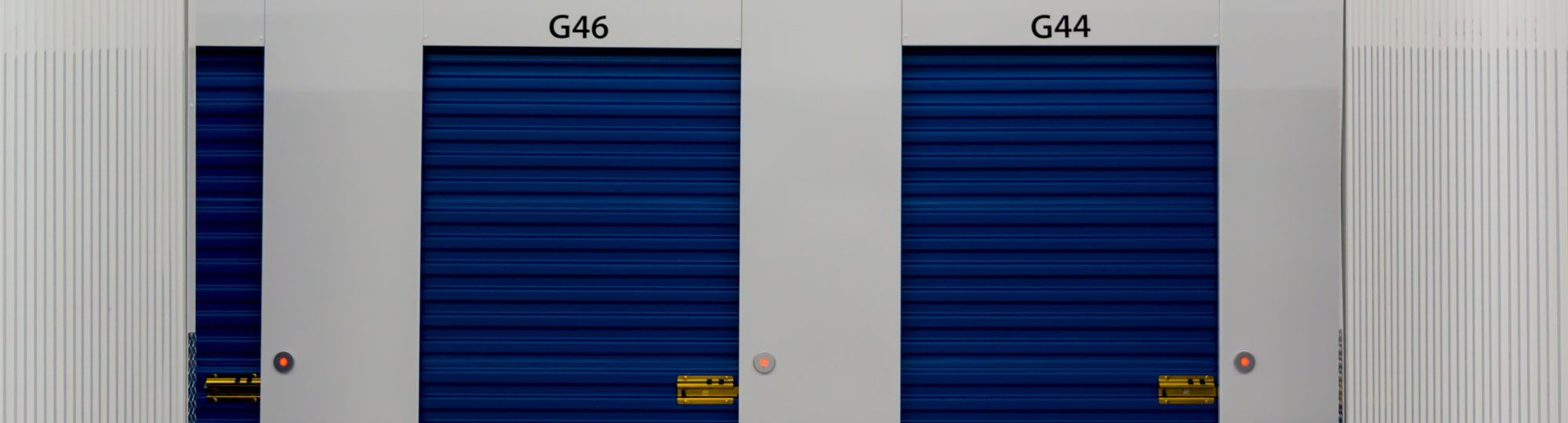 hallway_swing_doors_bg